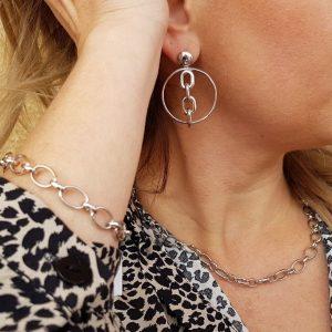 Conjunto de plata collar, pulsera y pendientes eslabones