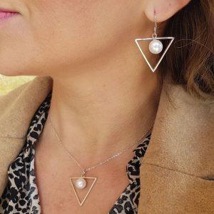 """Conjunto de plata pendientes-collar  """"Perla/triángulo"""""""